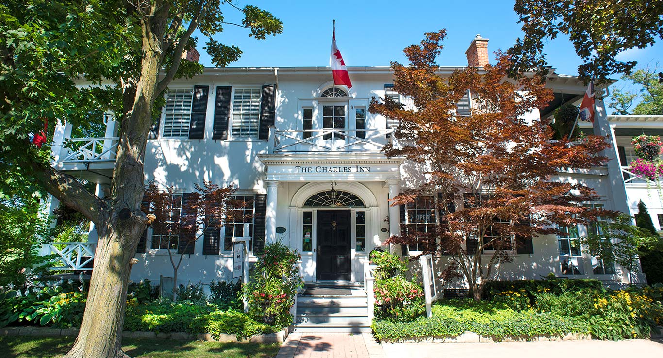 The Charles Inn front entrance - Niagara-on-the-Lake